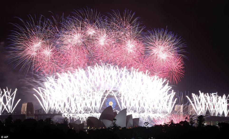 احتفالات عام استراليا 2014، ثقف نفسك2 الاحتفالات بالعام الجديد 2014 في جميع أنحاء العالم صور