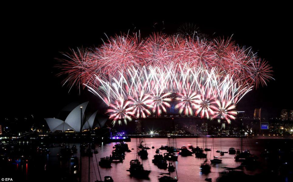 احتفالات عام استراليا 2014، ثقف نفسك3 الاحتفالات بالعام الجديد 2014 في جميع أنحاء العالم صور