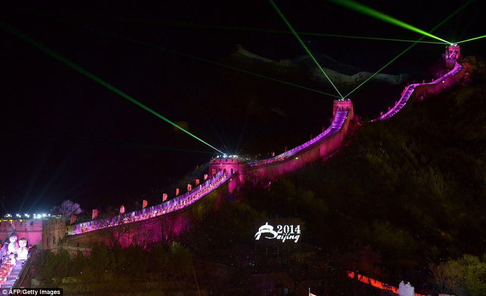 احتفالات عام الصين2014، ثقف نفسك1 الاحتفالات بالعام الجديد 2014 في جميع أنحاء العالم صور