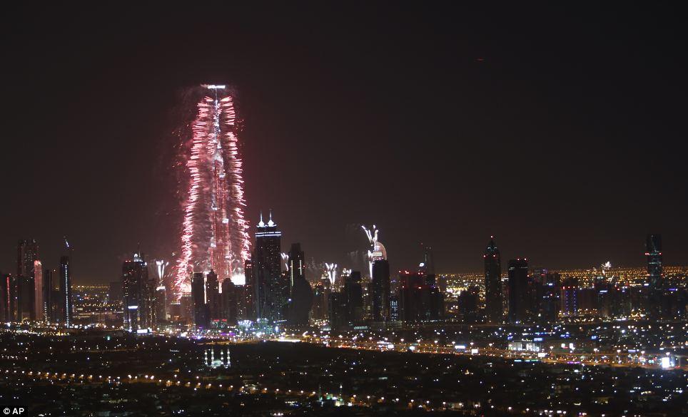 احتفالات عام دبي2014، ثقف نفسك2 الاحتفالات بالعام الجديد 2014 في جميع أنحاء العالم صور
