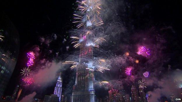احتفالات عام دبي2014، ثقف نفسك4 الاحتفالات بالعام الجديد 2014 في جميع أنحاء العالم صور