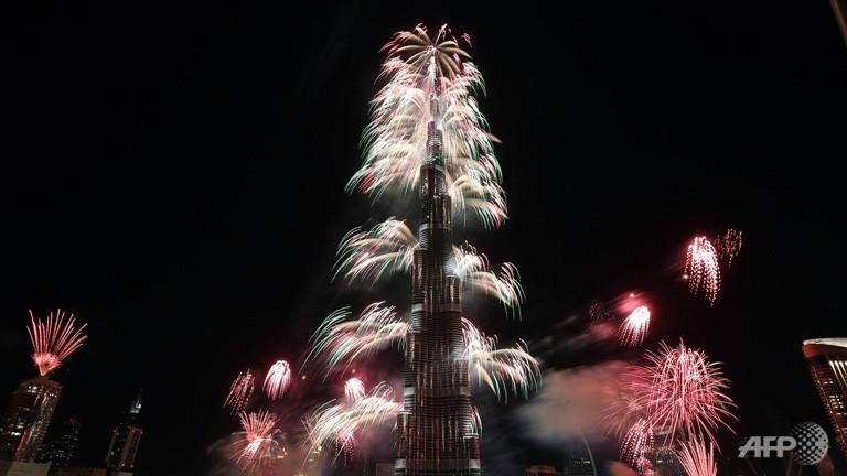 احتفالات عام دبي2014، ثقف نفسك5 الاحتفالات بالعام الجديد 2014 في جميع أنحاء العالم صور