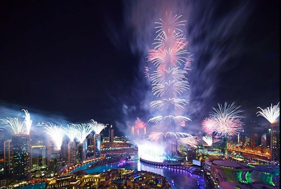 احتفالات عام دبي2014، ثقف نفسك6 الاحتفالات بالعام الجديد 2014 في جميع أنحاء العالم صور