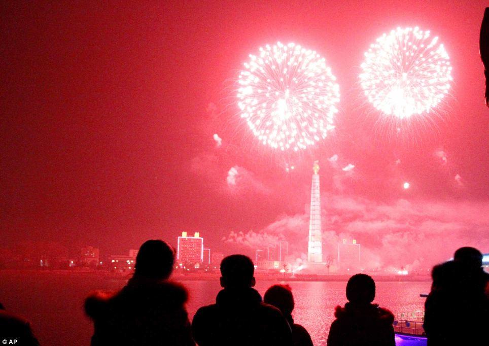 احتفالات عام كوريا الشمالية2014، ثقف نفسك2 الاحتفالات بالعام الجديد 2014 في جميع أنحاء العالم صور