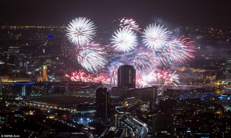 احتفالات عام 2014، ثقف نفسك 1 الاحتفالات بالعام الجديد 2014 في جميع أنحاء العالم صور