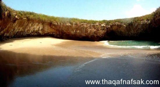 الشاطئ المخفي+ثقف نفسك شاطئ الحب المخفي في جزر ماريتا