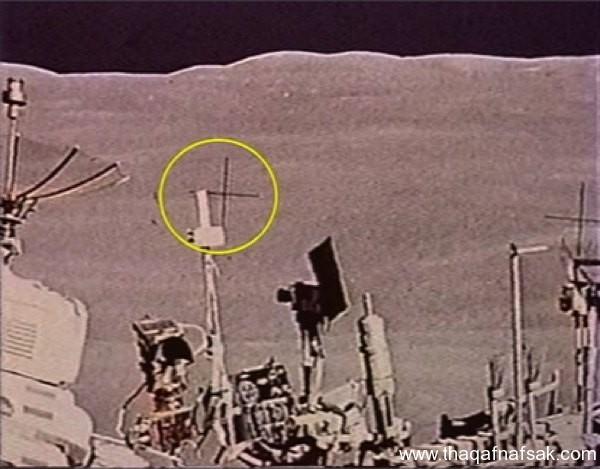 صور الهبوط على القمر . ثقف نفسك 9