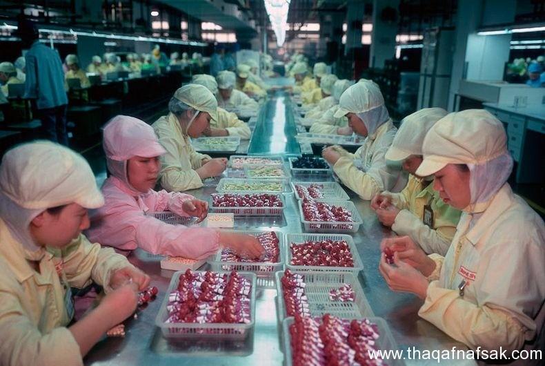 من داخل مصانع الألعاب في الصين من-داخل-مصا