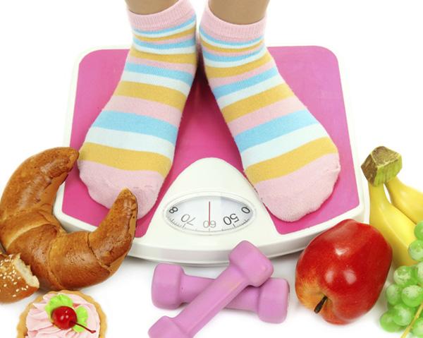 عادات تقومين بها تزيد من وزنك!