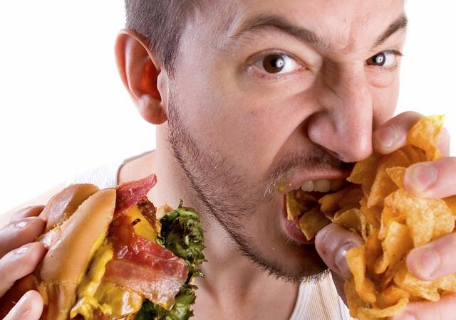 عادات تؤدي لزيادة الوزن احذر منها