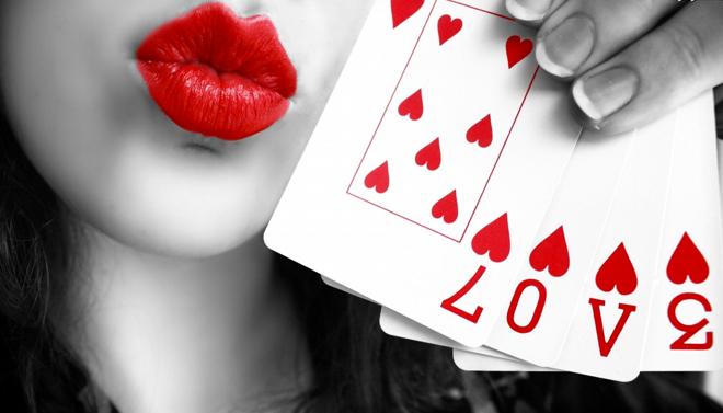 ١٠ أشياء بسيطة لزيادة الحب و الأُلْفَة بينك وبين من تحب