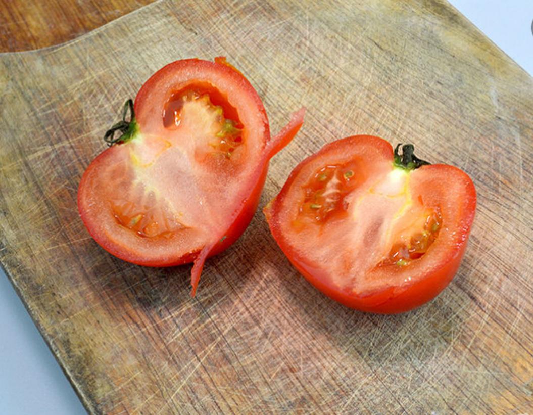 ماسك الطماطم للبشرة الدهنية