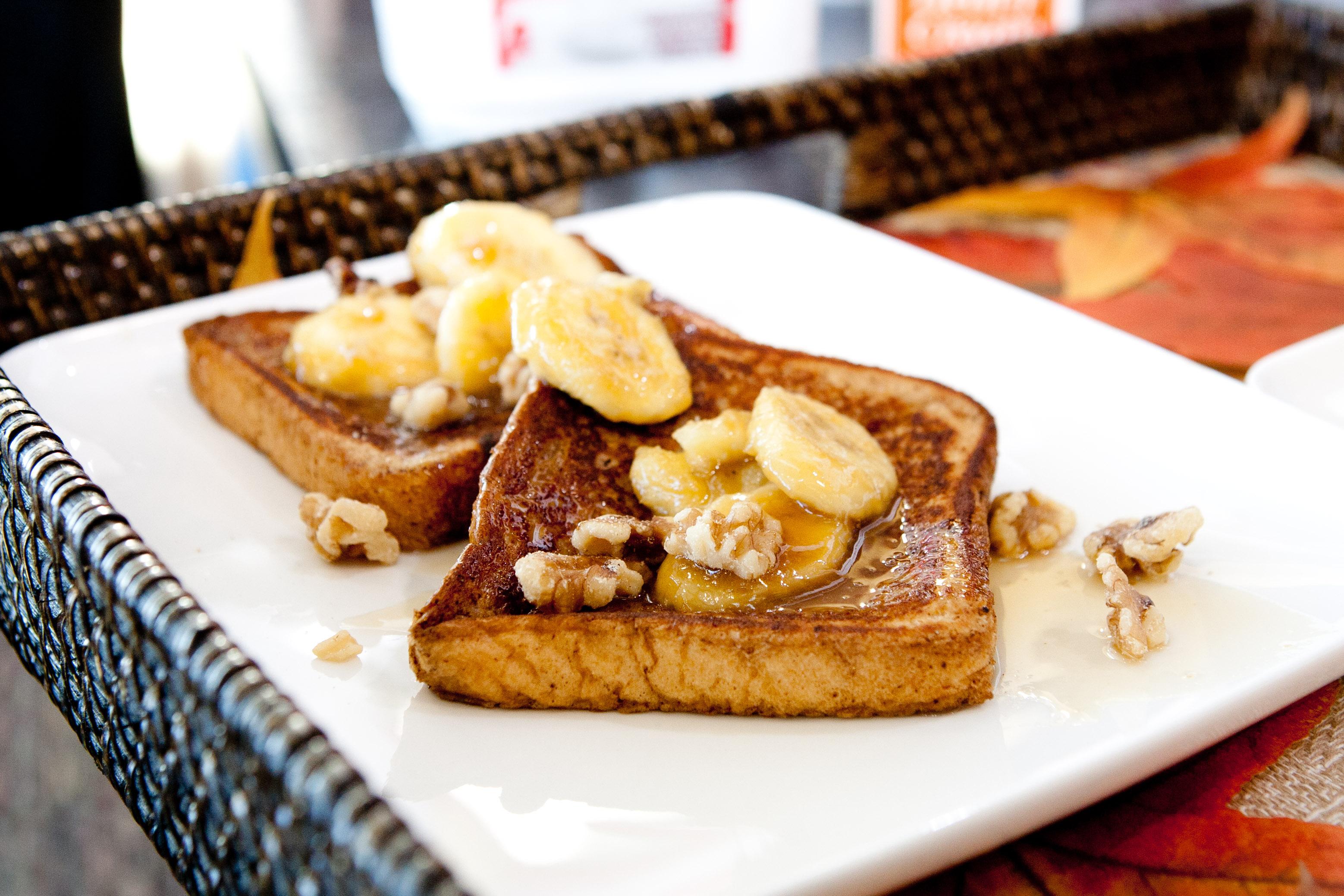 لفطور وعشاء لذيذ و سريع طريقة عمل التوست الفرنسي بالصور Banana-Chai-French-T