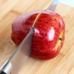 بالصور وصفة مميزة لعمل أكواب لتفاح بالزبادي و جوز الهند9