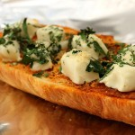 طريقة عمل توست الجبن الكريمي بالثوم ، طعم رائع 11