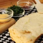 طريقة عمل توست الجبن الكريمي بالثوم ، طعم رائع 2
