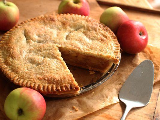 طريقة عمل فطيرة التفاح بالصور سهلة وشهية فطيرة-التف�