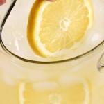بالصور عمل عصير الليمون المنعش16