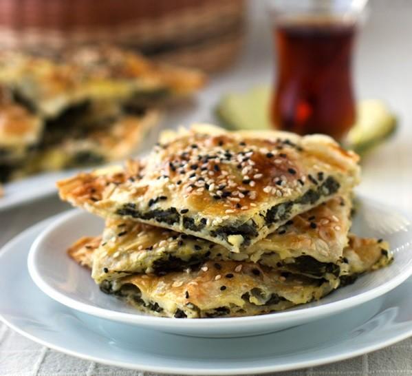 بالصور وصفة البوريك التركي بالجبن والسبانخ