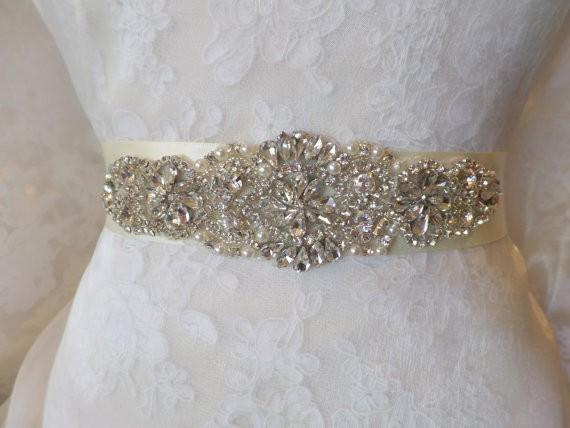 حزام فستان الزفاف - ثقف نفسك 24