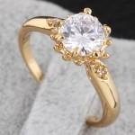 أروع أشكال خاتم الخطوبة من حجر الياقوت بالصورjpg