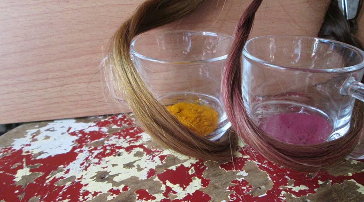 صباغة الشعر بالأحمر الغامق بوصفة طبيعية
