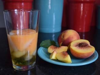 عصير الخوخ والليمون