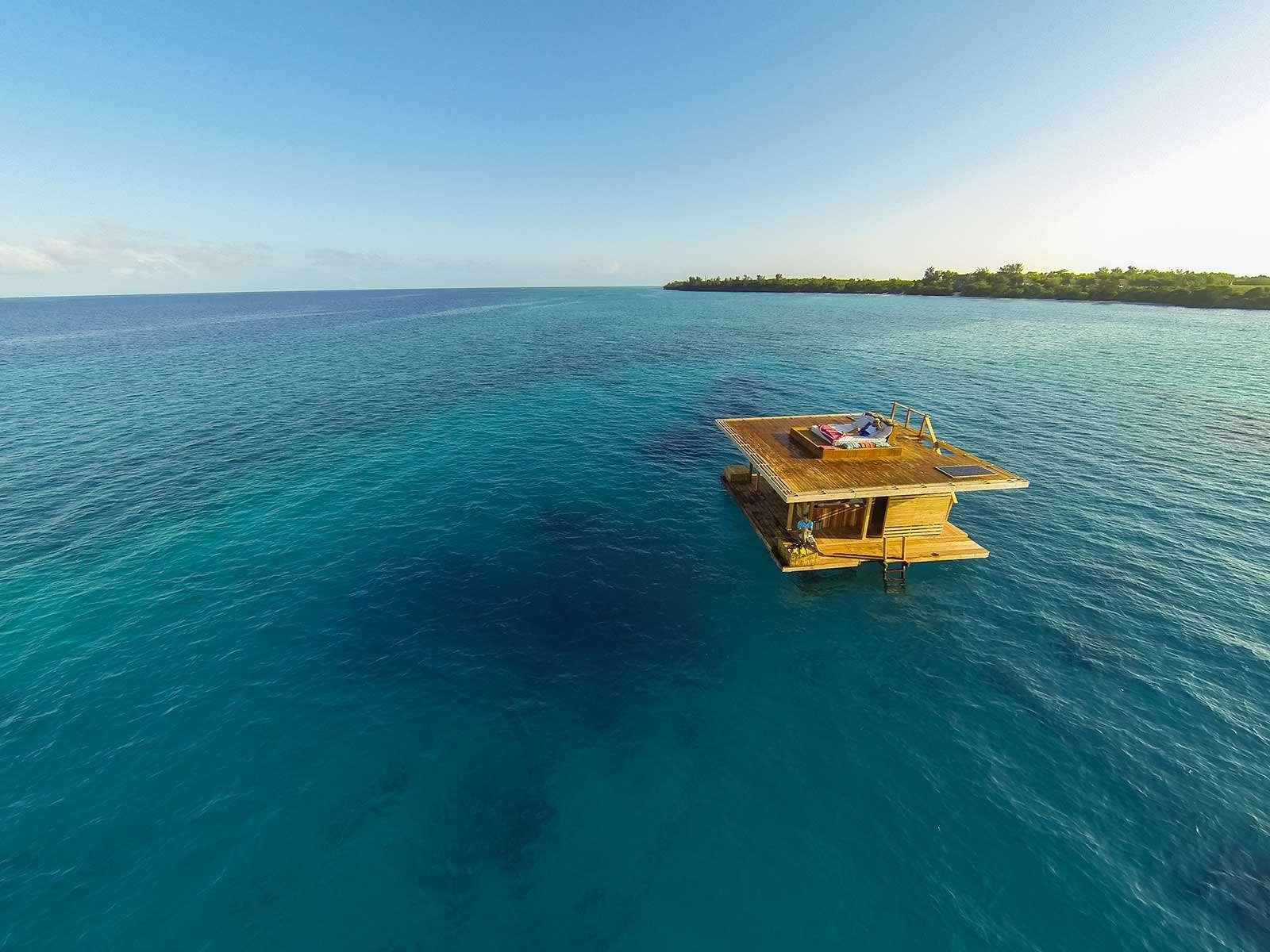 غرف فنادق مذهلة تحت الماء 6