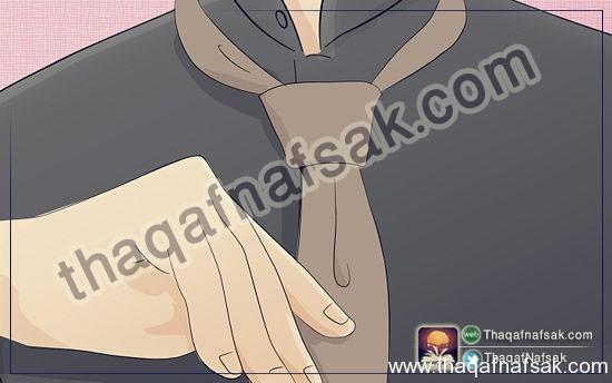 بالصور كيف تربط ربطة العنق ( 3 طرق ) 550px-4831-30.jpg