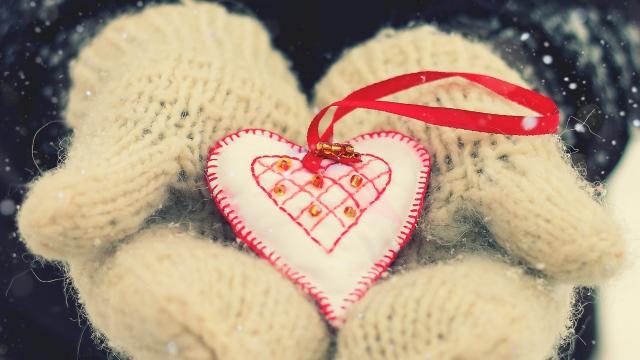 صور هدايا حب 2018 هدايا عيد ميلاد قلوب و ورود حب وخلفيات حب