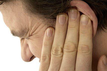 طنين الأذن أسبابه وعلاجه 1253