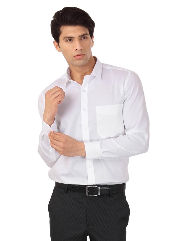 نصائح الموضة عند ارتداء الرجل القميص الأبيض - ثقف نفسك