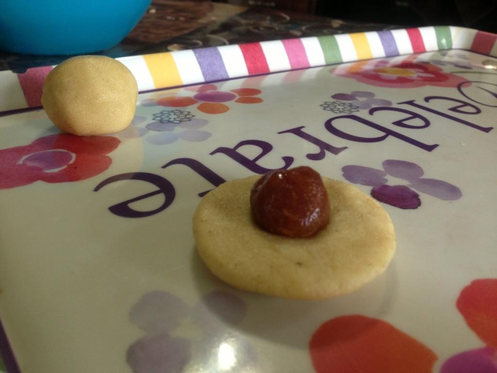 طريقة عمل كعك العيد بالتمر بالصور