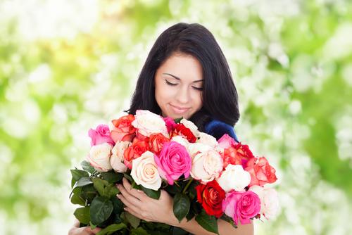فوائد استنشاق رائحة الورد