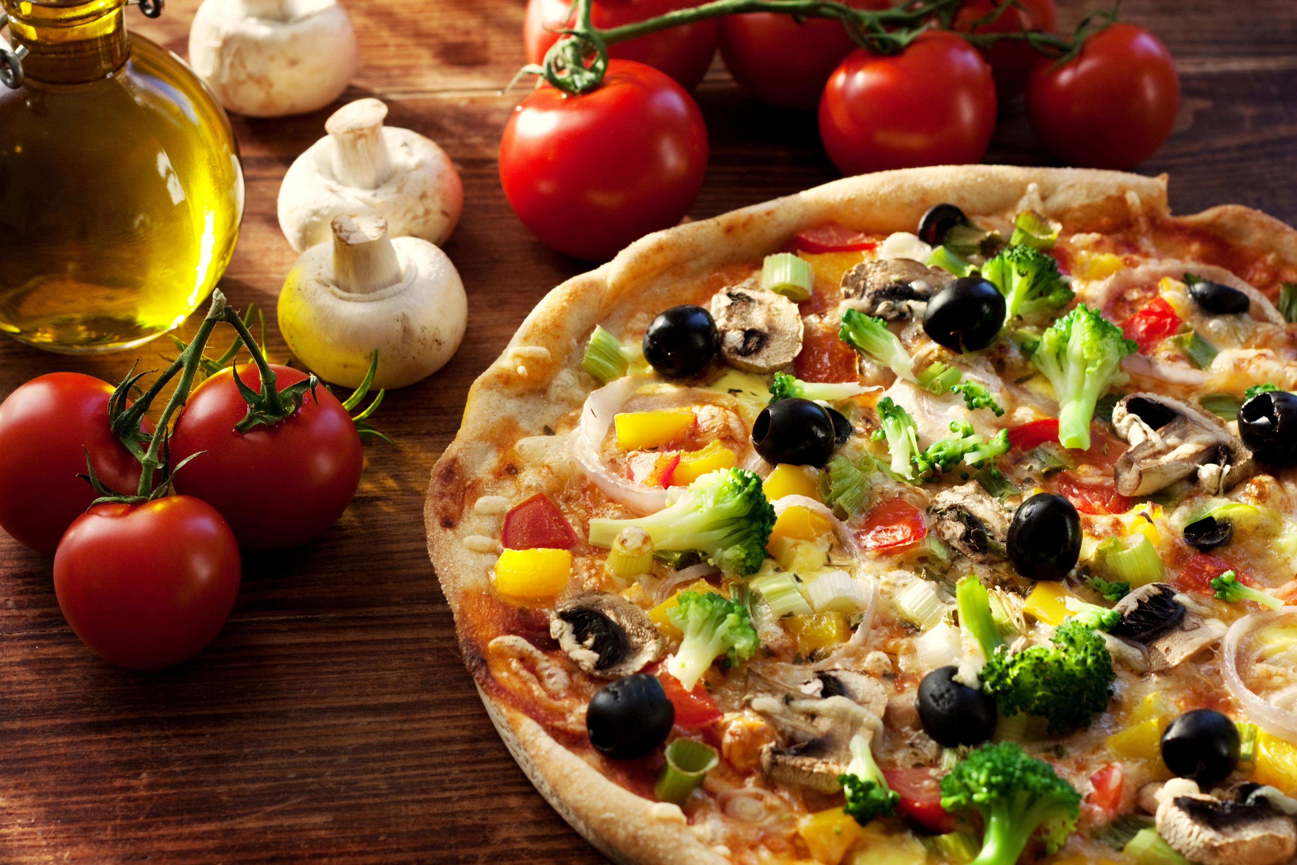 البيتزا بالزيتون