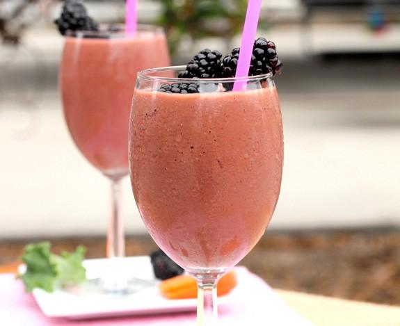 وصفة عصير الفراولة و الخضروات المفيد لصحتك1