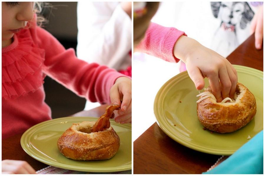 أوعية الخبز المحشية بالبيض وصفة سريعة التحضير8