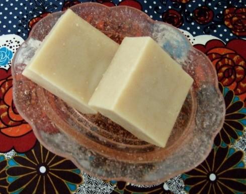 الصابون باستخدام زيت نخالة الأرز 1