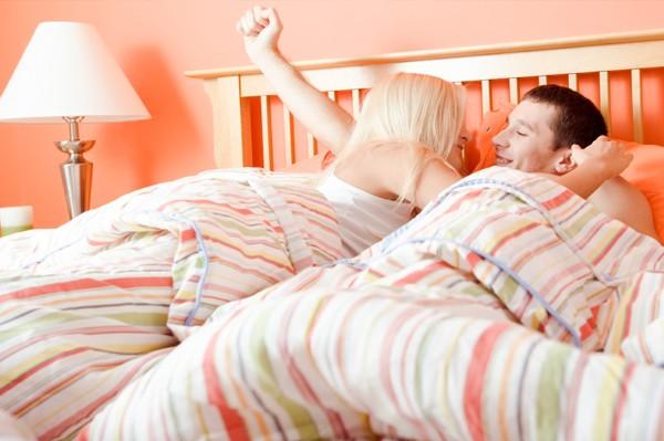 فوائد العلاقة الحميمية صباحاً