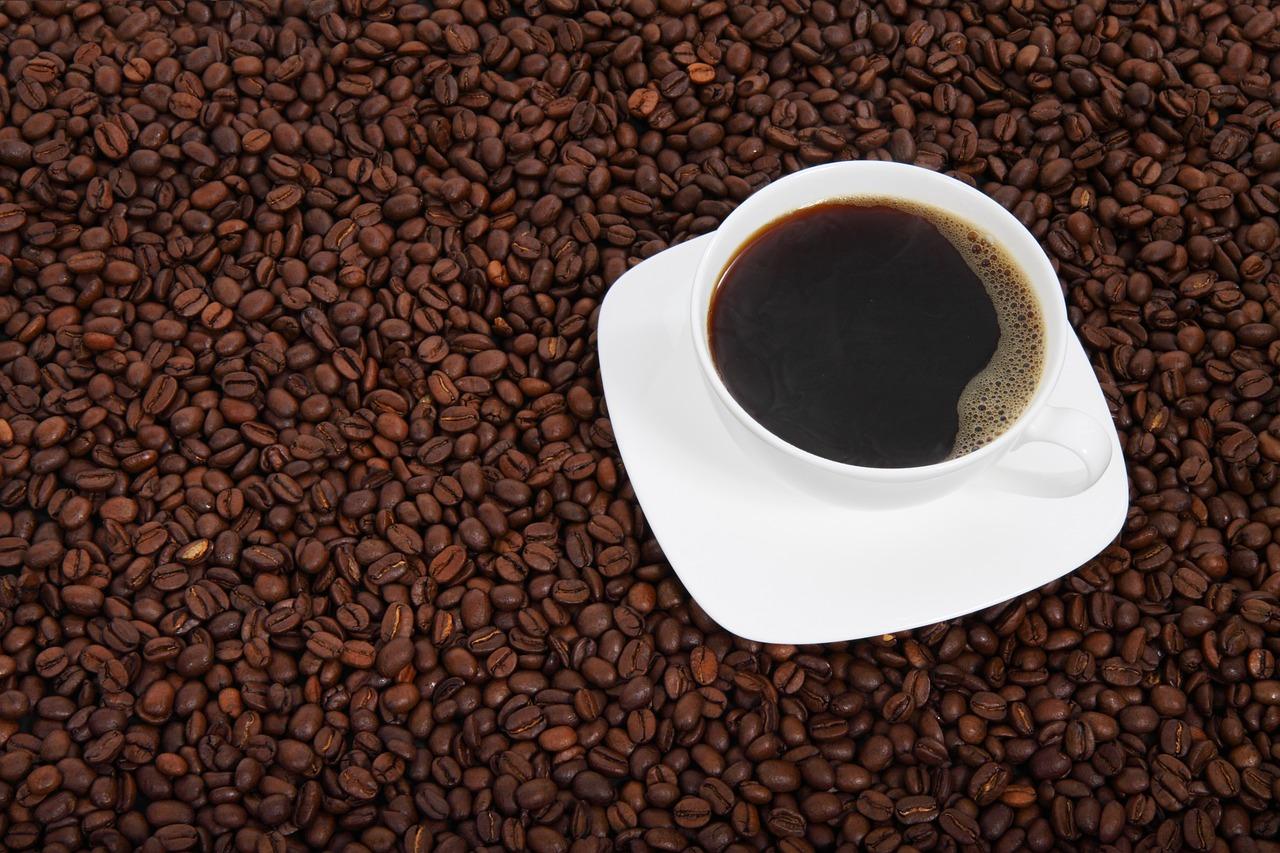 تناول القهوة