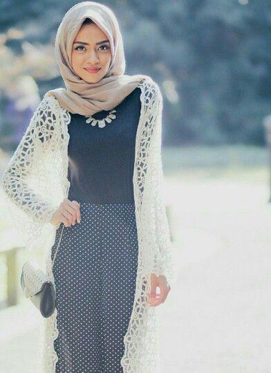 b2ec856dc ملابس محجبات تركي. حتي أن لفة الحجاب تأتي بأساليب وطرق مختلفة . واليوم توجد  العديد من الأزياء التركية المختلفة المتوافرة في المتاجر ويمكنك الإضطلاع  أيضاً ...