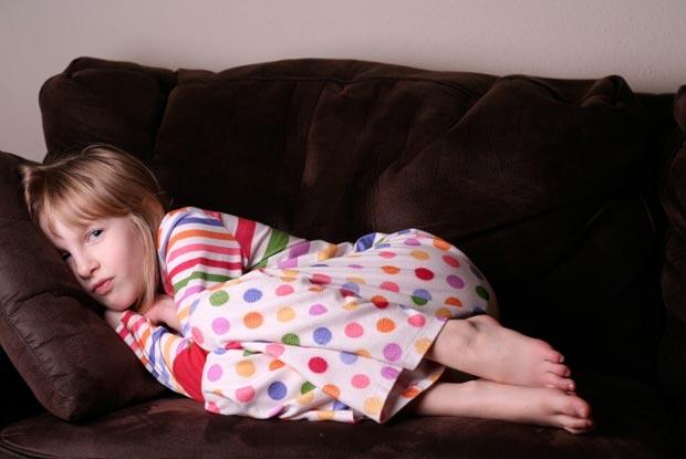 لماذا طفلي لا ينام مدد طويلة بشكل منتظم ؟