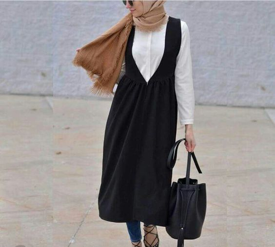 d9c90624cdc18 ولا تحال أبداً غسل الملابس الفاتحة مع الملابس السوداء . ومن المهم أيضاً عدم  الجمع بين الملابس السوداء والأقمشة التي تننج وبر أو الأغطية لأن الوبر  غالباً ما ...