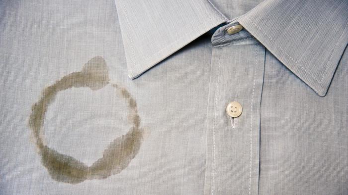 كيف تتخلص من بقع الزيت على الملابس ثقف نفسك