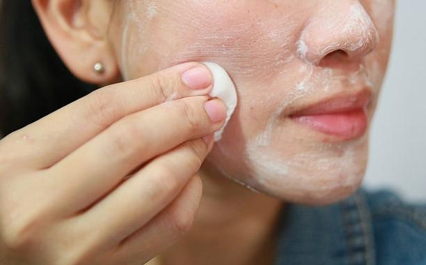 نتيجة بحث الصور عن فوائد مسح الوجه بالحليب