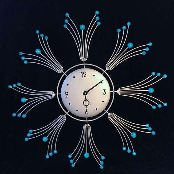 4dd514e9b وأحد النماذج المعروفة منذ فترة طويلة هي ساعة الحائط الكلاسيكية والتي تحتوي  علي نفس الشكل واللون الغير باهت وممل . إلي جانب ساعة الحائط الكلاسيكية  والتي ...