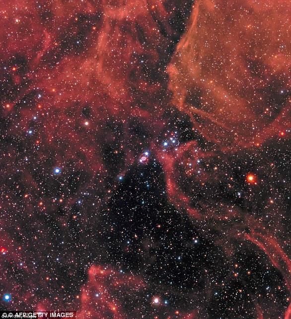 النجم الشبح العملاق