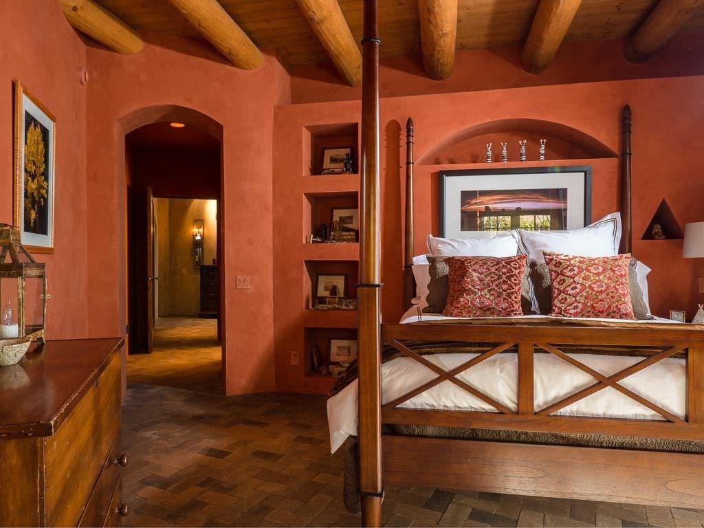 صور غرف نوم باللون الأحمر -نوم-باللون-الأحمر-بالصور4