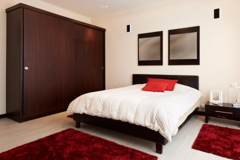 صور غرف نوم باللون الأحمر -نوم-باللون-الأحمر-بالصور51