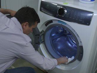 تنظيف غساله الملابس
